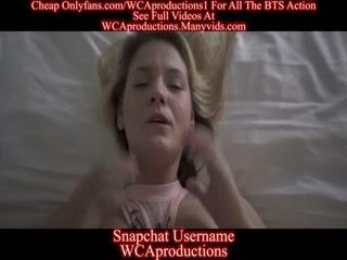 Секс видео мамы с сыном дома - мама трахает сына страп