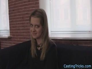 Смотреть порно кастинг  года - молодая брюнетка отдалась агенту на улице